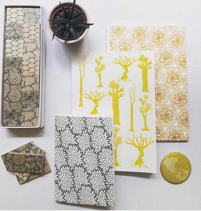 Cahiers, cartes postales